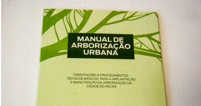 As espécies permitidas e todos os procedimentos estão descritos no Manual de Arborização Urbana, lançado em CD, pela Secretaria de Meio Ambiente e Sustentabilidade